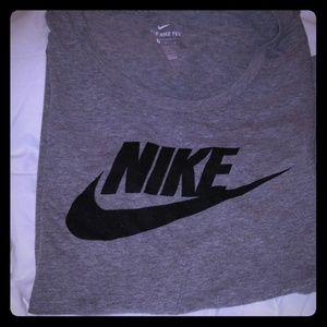 Size large womens Nike shirt